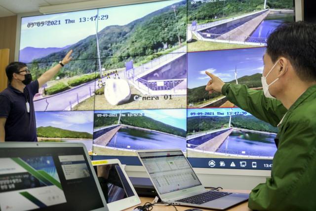 SK텔레콤과 한국수력원자력이 프라이빗(Private)-5G 기반 비상통신 솔루션 도입을 위한 실증을 진행하고 있다