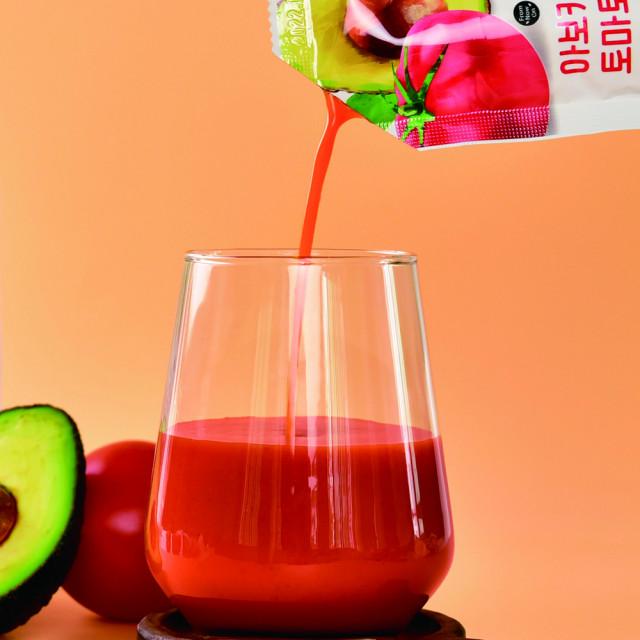 태후자연식품영농조합법인이 국내 최초로 아보카도와 토마토를 통째로 갈아넣은 '이제부터 아보카도를 만난 토마토즙'을 출시했다