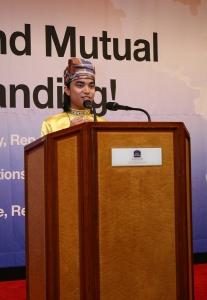 여성가족부와 한국청소년단체협의회가 7.27-8.10까지 서울 등에서 아시아24개국 300여 청소년이 참여한 2011 아시아 청소년 초청연수를 개최한 가운데, 9일 서울가든호텔에서 열린 폐막식에서 외국인 참가대표인 브루나이의 Ak Mohammad Abdul Safwan Pg Hj Asli Brunei(22세, 브루나이 국립대학)군이 감사인사를 하고 있다. (사진제공: 한국청소년단체협의회)