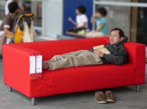 """'가구엠디닷컴' 마케팅 담당은 """"글로벌 가구 브랜드인 이케아(IKEA)의 한국 진출에 따라 중소 가구 업체들이 생존의 위협을 느끼고 있다.""""며 """"온라인 가구단지 활성화가 돌파구이며 '가구엠디닷컴'이 그 역할을 담당하게 될 것""""이라며 자신감을 드러냈다. (사진제공: 노매드코리아)"""