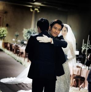 이은희의 경건하고 아름다웠던 웨딩 사진이 공개됐다.(사진제공:써니플랜) (사진제공: 써니플랜)