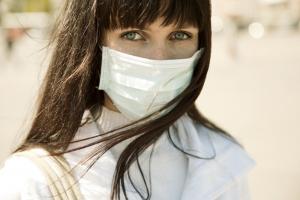 마스크를 착용한 여성 (사진제공: 미앤미의원)