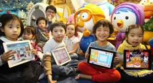 한글과컴퓨터(www.hancom.com,대표 이홍구/이하 한컴)는 아이코닉스 엔터테인먼트와 협력해 유아 교육용 '뽀로로 미술놀이' 애플리케이션(이하 앱)을 출시했다고 26일 밝혔다. (사진제공: 한글과컴퓨터)