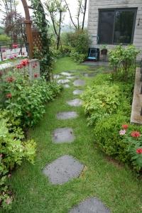 푸르네 자원봉사자(볼런티어)들이 조성한 정원 (사진제공: 서울정원박람회 사무국)