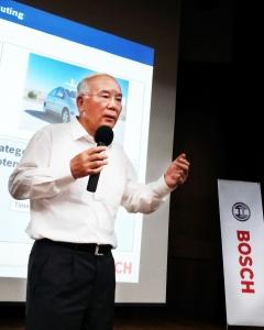 울산대학교에서 CEO특별 강연을 하고 있는 한국 내 보쉬 디젤시스템의 박영후 사장 (사진제공: 한국로버트보쉬)