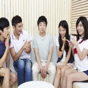 소셜데이팅 오작스쿨(www.ojakschool.com)은 꽃피는 봄을 맞아 대한민국 대학생들을 대상으로 '동아리 미팅'을 개최하였다고 하여 화제다. (사진제공: 오작스쿨)
