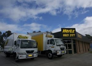 호주지역의 사우스 오스트레일리아 주, 뉴 사우스 웨일스 주와 빅토리아 주에 위치한 허츠 렌탈 트럭의 직속 가맹점인 호주 트럭과 4륜 렌탈 (Australian Trucks and 4WD Rentals) 은 자사의 수동 변속기를 자동으로 전면 교체하기로 결정했다. (사진제공: 앨리슨 트랜스미션)