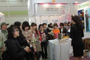 오는 24일부터 26일까지 삼성동 코엑스에서 국내 화장품, 미용산업의 흐름을 한 눈에 확인할 수 있는 '2012 서울국제화장품·미용산업박람회(COSMOBEAUTY SEOUL 2012)'가 개최된다. (사진제공: 한국국제전시)