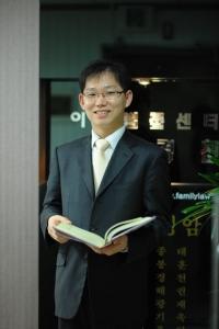 법무법인가족 엄경천변호사 (사진제공: 법무법인 가족)