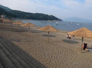 만성리검은모래해수욕장 (사진제공: 코레일투어)