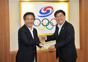 임채민 보건복지부장관이 태릉선수촌을 방문했다. (사진제공: 대한체육회)