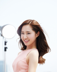 소녀시대 유리의 화보 같은 마몽드 광고 (사진제공: 아모레퍼시픽)
