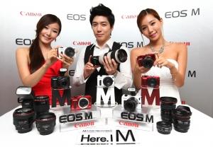 캐논 미러리스 카메라 'EOS M' (사진제공: 캐논코리아컨슈머이미징)