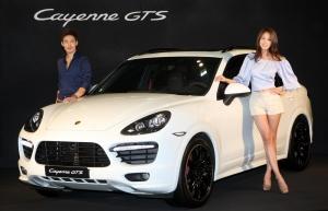 포르쉐 공식 수입사 스투트가르트 스포츠카(주)는 9월 20일 서울 강남구 포르쉐 센터 대치에서 포르쉐 카이엔 GTS를 공개했다. (사진제공: 포르쉐)