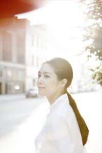 옥주현이 뮤지컬 넘버를 담은 신보 GOLD를 발매했다.