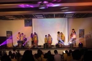 통합 예술교육을 통해 성장한 청소년들이 무대위에서 공연하는 모습이다. (사진제공: 문화예술사회공헌네트워크)