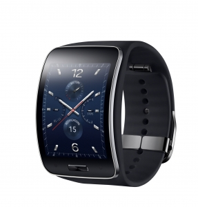 삼성 기어S는 스마트폰과 연동해서 쓸 뿐 아니라 스마트폰이 주변에 없을 때도 3G 이동통신, 와이파이 등의 통신 기능을 사용할 수 있는 스마트 웨어러블 기기이다.