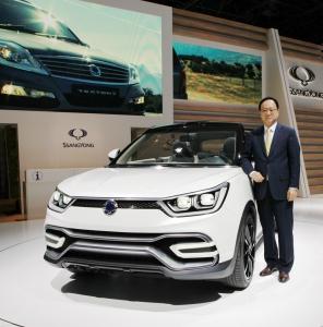쌍용자동차, 파리모터쇼서 'X100' 양산형 콘셉트카 'XIV-Air' / 'XIV-Adv...