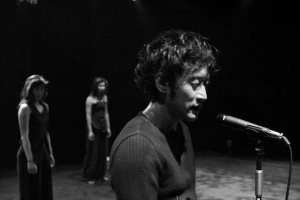 마임이스트 장성원의 직강으로 프랑스 신체연극학교의 교육프로그램에 기반을 둔 정통 판토마임 교육을 받을 수 있다. (사진제공: 루멘픽처스)