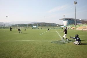 야구 동계훈련이 한창인 경주 야구(연습)장