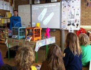 2012년 미국에서 초등학생이 조립한 Ultimaker 3D프린터