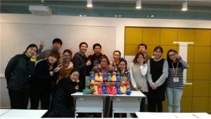 한국보건복지인력개발원이 함께하는 나눔의 일환 양말인형 선물하기 프로그램을 운영했다 (사진제공: 한국보건복지인력개발원)