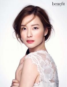 베네피트 모델 정유미 화보 (사진제공: 베네피트코스메틱스코리아)