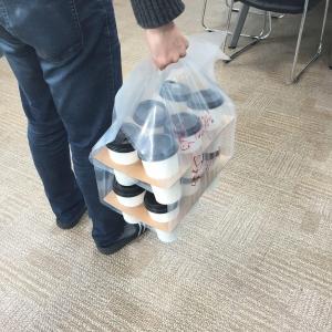 옥윤선특허디자인그룹이 대량 테이크아웃 6/12구 컵 캐리어를 개발했다 (사진제공: 옥윤선특허디자인그룹)