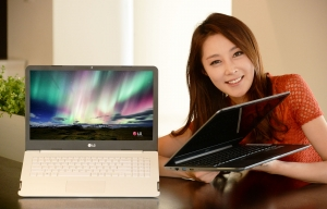 LG전자가 15.6형 대화면에 4K 울트라HD 해상도를 적용한 초슬림 노트북 울트라 PC를 출시했다 (사진제공: LG전자)