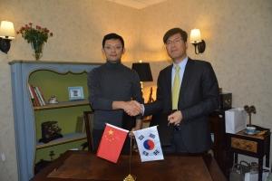 좌측은 킹소프트 CEO Ge Ke(꺼커), 우측은 시스트란 인터내셔널 회장 루카스 지 (사진제공: 시스트란인터내셔널)