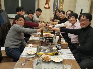 박선민 뉴21커뮤니티 대표가 목포지역 청년 창업자 네트워크 모임을 후원한다 (사진제공: 뉴21커뮤니티)
