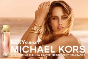 마이클 코어스가 22일 출시하는 섹시 선셋 광고 이미지 (사진제공: 랩시리즈 & 디자이너 향수 사업부)