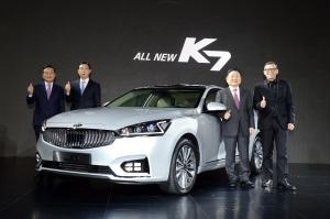 기아자동차는 26일(화) 올 뉴(ALL NEW) K7의 공식 출시 행사를 갖고 본격적인 판매에 돌입했다 (사진제공: 기아자동차)