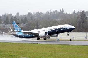 초도 비행을 위해 이륙하는 보잉 737 맥스 (사진제공: 보잉 코리아)