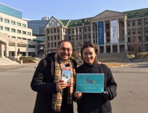 야나가 홍콩아이벤처카드 본사디렉터와 전략 제휴를 했다 (사진제공: 야나)
