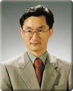 건국대학교는 19일 수의과대학 부속 동물병원장에 김휘율 수의학과 교수를 임명했다 (사진제공: 건국대학교)