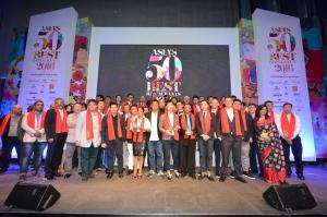 산펠레그리노 & 아쿠아파나가 후원하는 2016 아시아 최고 레스토랑 50 어워드 시상식에 참석한 각 레스토랑 셰프와 경영자들 (사진제공: William Reed Business Media)