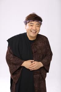 개그맨 김성규가 창작 뮤지컬 갈릴리로 가요에서 신약성서 마태복음의 저자인 세리마태 역할을 맡았다 (사진제공: 뉴와인 엔터테인먼트)