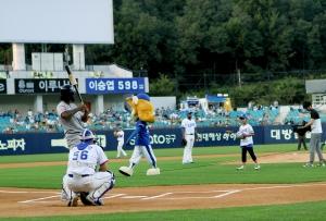 삼성라이온즈 경기 시구 소원을 이룬 김찬수 아동