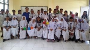 SMP 네게리 사뚜 나말리아 고등학교 학생들