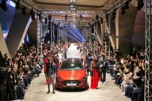 쏘나타 뉴 라이즈 디자인 감성을 담은 쏘나타 뉴 라이즈 패션과 쏘나타 전용 커버가 서울패션위크에서 성공적으로 데뷔했다