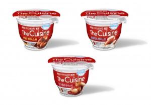 동원F&B가 국내 최초로 소시지와 소스를 컵에 함께 담은 육가공 간편식 제품 더퀴진 3종을 출시했다