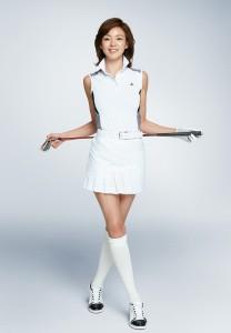 그린조이 모델 야노 시호가 기능성, 활용도 높은 여름 상품을 선보이고 있다