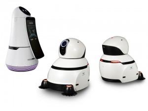 LG전자가 21일부터 인천국제공항에 자체 개발한 안내 로봇과 청소 로봇 각각 5대를 배치하고 공항 이용객들을 대상으로 시범서비스를 시작한다. 사진은 왼쪽부터 안내 로봇과 청소 로봇