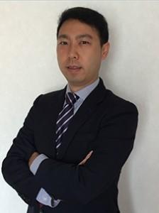 래리 쿽은 해상보험(북아시아 시장) 부문 이사로서 직책을 수행하게 된다