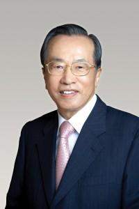 김재철 동원그룹 회장이 18일 광주과학기술원으로부터 명예 이학박사 학위를 받았다
