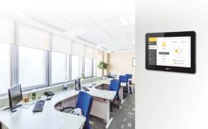 터치부코는 터치스크린이 탑재된 animeo IB+용 빌딩 컨트롤러로 4개 존의 제어가 가능하다