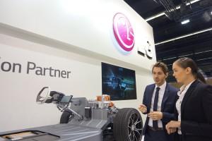 LG전자가 14일부터 24일까지 독일 프랑크푸르트에서 열리는 2017 프랑크푸르트 모터쇼에 참가 LG전자의 앞선 자동차 부품 기술력을 소개한다