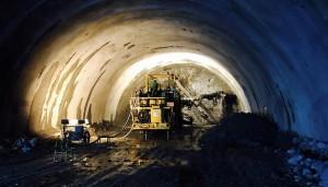한라 장항선 3공구 터널 막장면 시공 모습