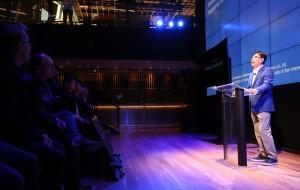 삼성전자 윤부근 대표이사가 22일(현지시각) 미국 뉴욕 삼성 837에서 열린 AI 포럼에서 축사를 하고 있다